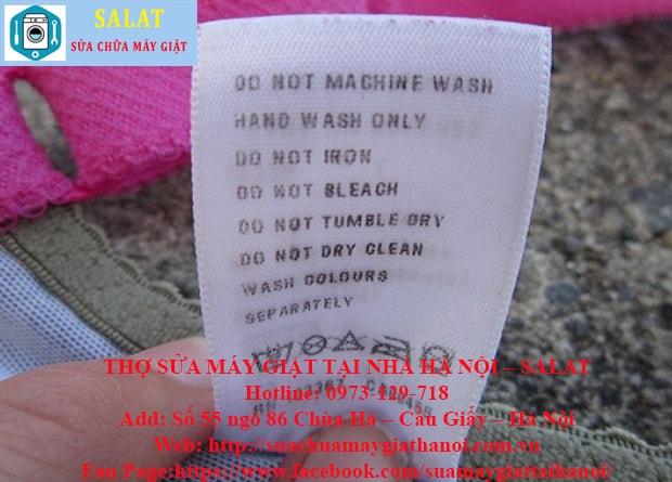 Kiểm tra các thẻ ghi trên quần áo để được hướng dẫn rửa đặc biệt