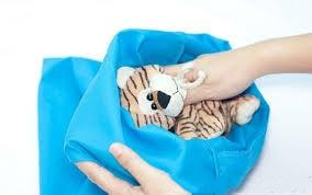 cho gấu bông vào túi giặt