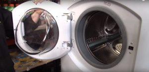 Nắp đặt gioăng cao su mới cho máy giặt