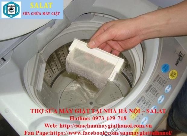 Vệ sinh đối với dòng máy giặt cửa trên