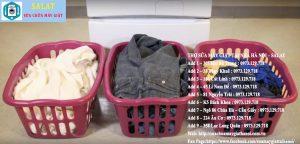 phân loại quần áo trước khi mang giặt